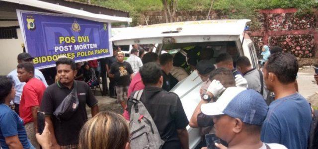 Keluarga Korban Banjir Bandang Sentani Papua Berdatangan ke RS Bhayangkara, Korban Bertambah Jadi 52