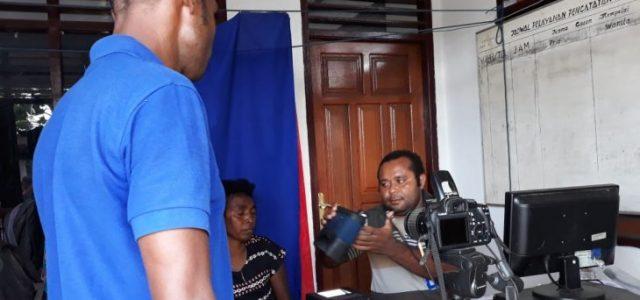 Perekaman E-KTP di Manokwari Membludak Jelang Pemungutan Suara