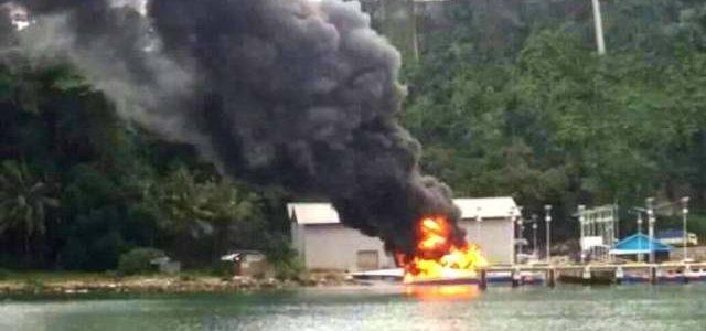 Usai Ditumpanggi Bupati Fakfak Speedboat Pemda Terbakar