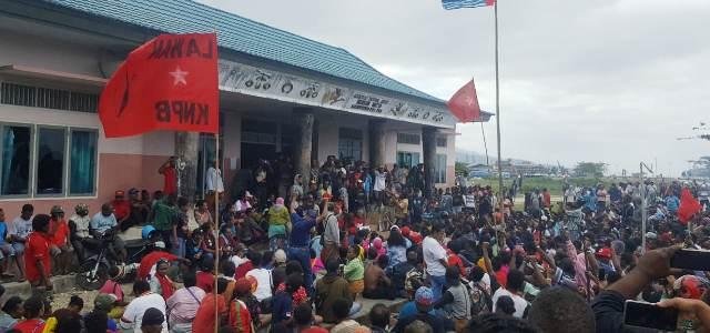 Demo di Fakfak, Massa Bakar Pasar Situasi Kondusif