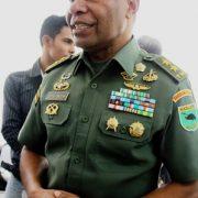 Mayjen TNI Wayangkau Ajak Masyarakat Jaga Tanah Papua