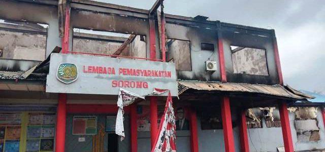 Setelah 258 Napi Lapas Sorong Kabur,  5 Napi Diserahkan Kembali oleh Keluarga