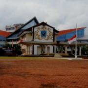 Abraham Atururi Dimakamkan Senin,  Kantor Pemerintahan Kibarkan Bendera Setengah Tiang