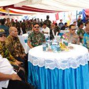 Petinggi dan Tokoh Masyarakat Jayapura Makan Siang di KRI Oswald Simanjuntak