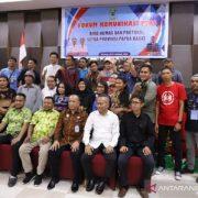 Gubernur Dominggus: Wartawan Penghubung yang Baik