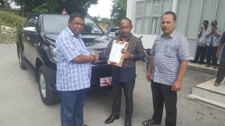 Usai Sertijab Mantan Kepala Bappeda dan Litbang Fakfak Kembalikan Mobil Dinas