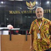 Pasal 28 Ayat 1 dan 2 UU Otsus Diuji ke MK, H Rumbiak: MK Harus Tafsirkan Tentang Partai Politik