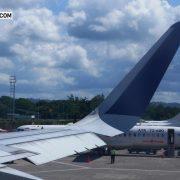 Penumpang di Bandara Domine Eduard Osok Sorong Padat