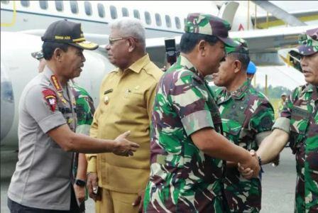 Panglima TNI dan Kapolri Gelar Rapat Tertutup di Mimika
