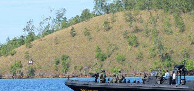 Kopassus Gelar Latihan di Pulau Obi