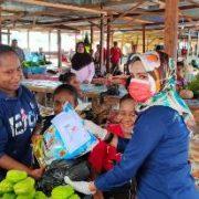 Peduli Covid -19. Bank Papua Cabang Fakfak Bagi Bagi Sembako Jelang HUT Ke 54