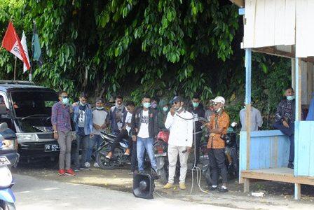 Cegah Covid -19. FBPMM Demo Tolak Kedatangan 38 Mahasiswa Penumpang Kalabia