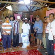 Sadar Akan Dampak Covid -19 di Bulan Ramadhan, IKK Fakfak Salurkan Bantuan Beras dan BBM Bagi Warga Kei Muslim Pulau Panjang