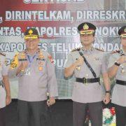 Kapolda Pimpim Serah Terima Jabatan Sejumlah Pejabat Utama Polda Papua Barat