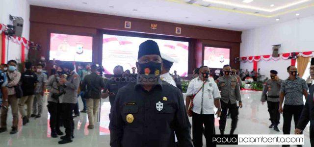 Cara Gubernur Papua Barat Putus Rantai COVID-19, Ajak ASN Eselon II Diswab, Warga Dirapid Tes