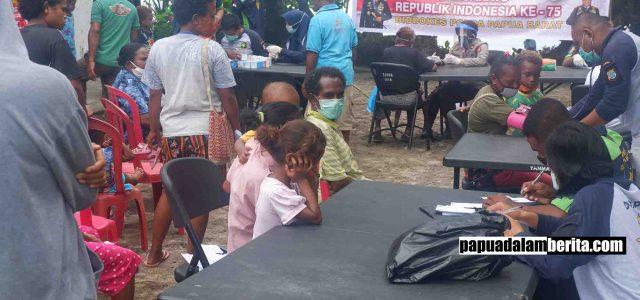 Bakti Kesehatan Polda Papua Barat Tangani 120 Warga, Kepala Kampung: Terima Kasih