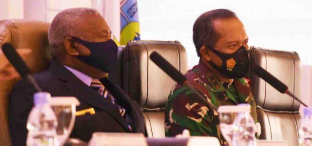 Pangdam XVIII/Kasuari sebagai Ketua II Satgas COVID-19 dan Satgas Pemulihan Ekonomi Papua Barat
