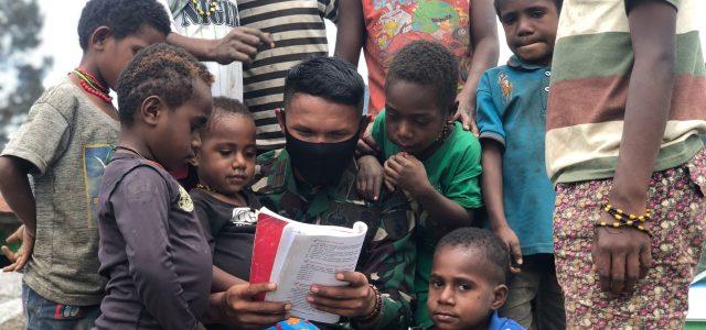 Raider 500/Sikatan Sambangi Mengajar Anak -Anak Pedalaman Papua