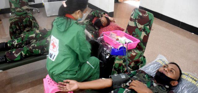 Peringati Hari Juang TNI AD dan HUT Ke-4 Kodam Kasuari Kumpulkan 150 Kantong Darah