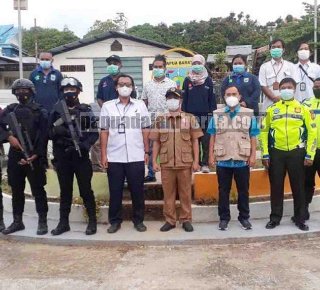 Usai Sudah Penjagaan Vaksin Covid-19 oleh Brimob Polda Papua Barat di Gudang Farmasi