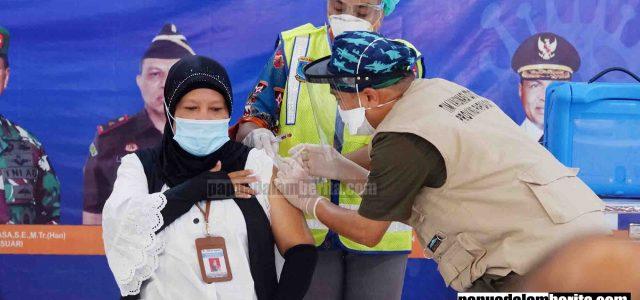 Dari 16 Orang, 14 Sukses Awali Vaksinasi Covid-19 di Papua Barat, Dua Orang Tak Penuhi Syarat