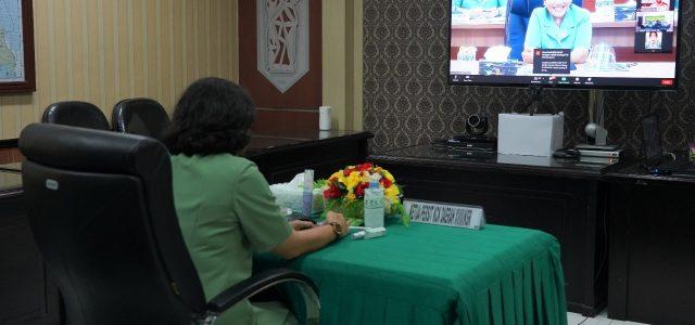 Ketua Persit KCK PD XVIII/Kasuari Ikuti Webinar Bahas Vaksin Covid-19 Bersama Ketua Umum Persit KCK
