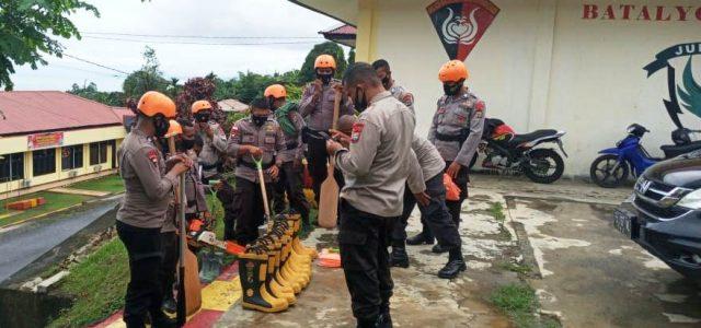 Curah Hujan Tinggi, Sat Brimob Polda Papua Barat Siagakan Peralatan SAR