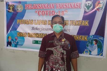 Vaksinasi Covid -19 Untuk TNI – Polri di Fakfak Belum Mencapai Sasaran, Kadis Kesehatan : Masih Tersisa 300 Dosis Untuk Anggota TNI – Polri