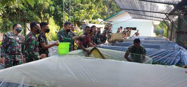 Di Bulan Ramadhan, Kodim Manokwari Panen Perdana Ikan dan Berbagi