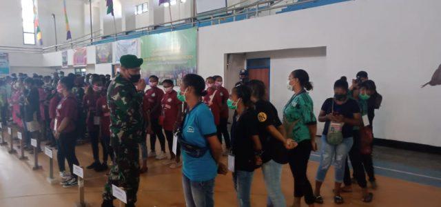 Bupati Manokwari dan Dandim 1801/Mkw Buka Turnamen Futsal