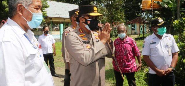 Kapolda Papua Barat Tinjau Vaksinasi Massal dan Semangati Warga Yang Isoman