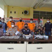Ditresnarkoba Polda Papua Barat Musnahkan Empat Paket Ganja