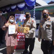 "Suntik Vaksin, Bagi Sembako, Akabri ""99 Ajak Warga Ciptakan Kampung Herd Immunity"