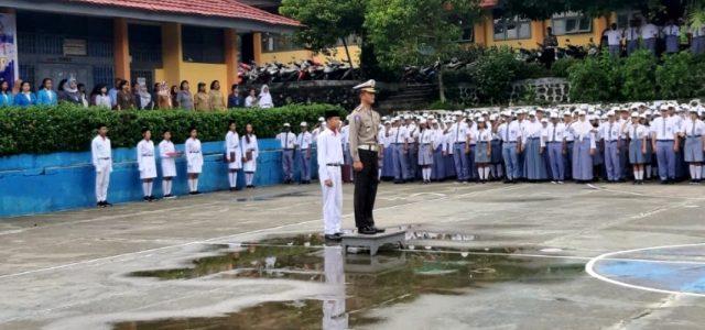 Upacara SMA Negeri 1 Manokwari