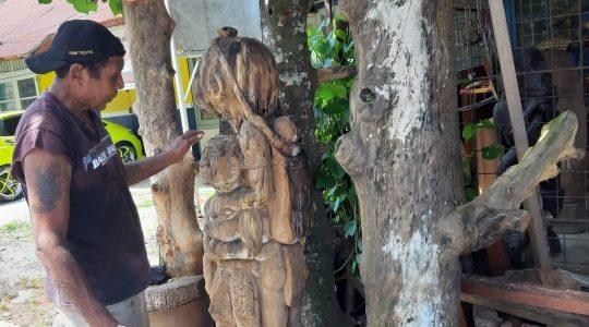 Feature (3) Seniman Papua Barat Elly Krey Mengukir di Usia 7 Tahun, Yatim Piatu di Usia 10 Tahun