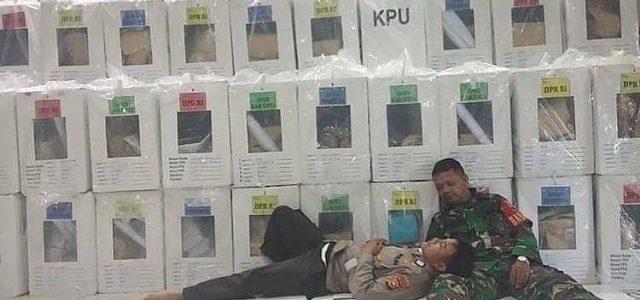 Pengabdian Tanpa Batas, TNI/Polri Solid