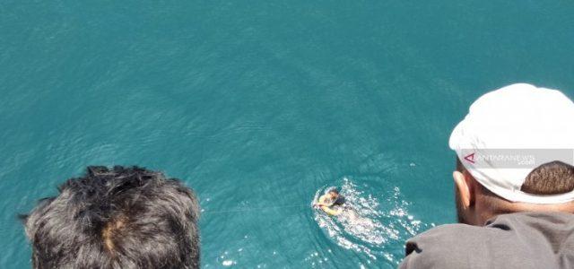 Penumpang Km Ciremai Lompat Ke Laut