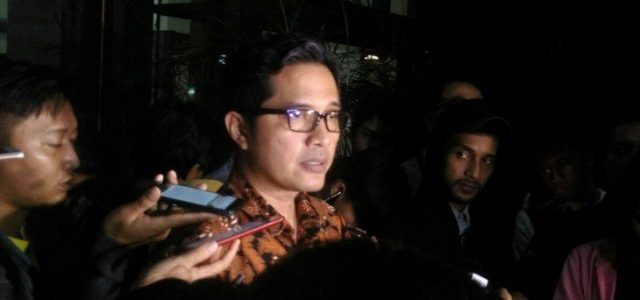"""KPK akan Buka Semua Amplop """"Serangan Fajar"""" Bowo"""