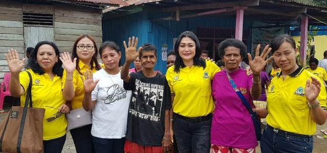 Petrik DCW Palandeng Caleg DPR Papua Barat, Sosialisasi di Kampung Waran dan Kunjunggi Warga Warbiadi