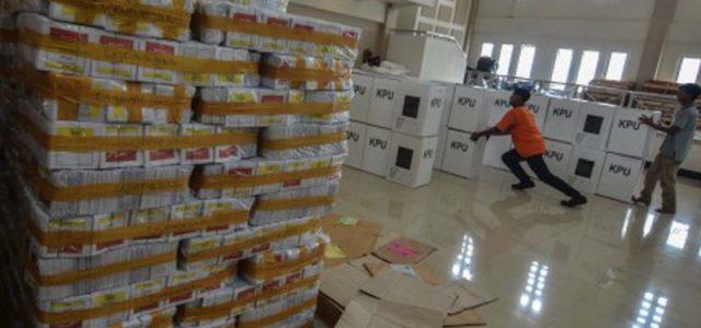 """Ratusan Logistik Sumatera Utara """"Nyasar"""" ke NTT"""