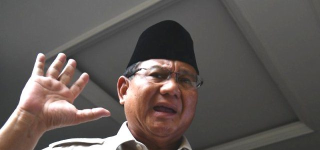 Prabowo Minta Pendukungnya Akhiri Aksi