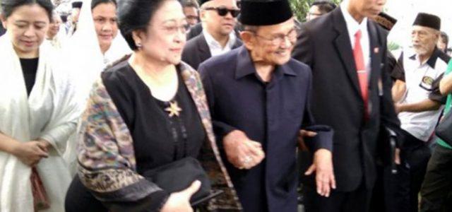 BJ Habibie dan Megawati Hadiri Pemakaman Ani Yudhoyono di Kalibata