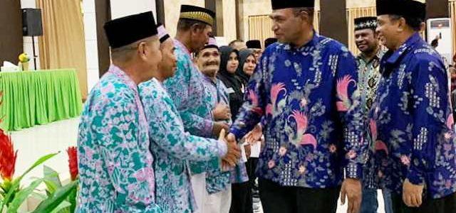 Harapan Wagub Papua Barat Saat Lepas Calon Haji, Berangkat Utuh Balik Utuh Jadi Haji Mabrur