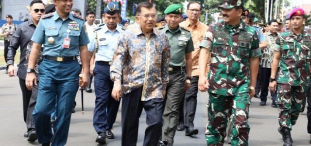 Wapres Jusuf Kala: TNI dan Polri Sekarang Siap untuk Hadapi Masalah Sosial Bangsa