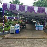 Tenda Putih-Unggu Intari Rumah Bram Atururi, Pelayat dan Kiriman Bunga Terus Berdatangan