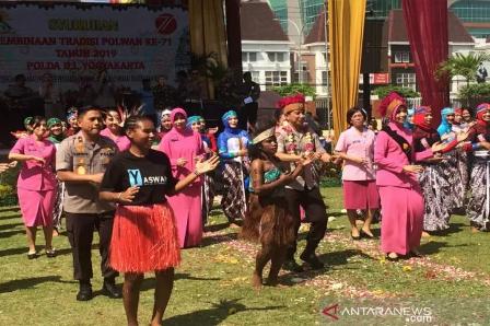 Polda Ajak Pelajar Asal Papua Rayakan HUT Polwan