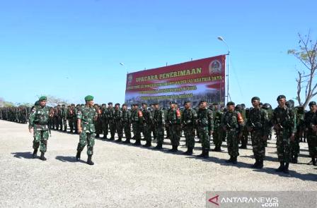 Ratusan pasukan TNI diberangkatkan ke perbatasan Indonesia-Timor Leste
