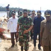 Brigjen TNI Ignatius Yogo Tinjau Tiga Lokasi Pembangunan Fisik TMMD di Fakfak