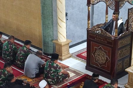 Sebelum ke Pegaf, Tadi Panglima TNI Sholat Jumat di Masjid Ridwanul Bahri Manokwari