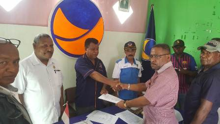 Wakil Ketua MRPB Turunkan Massa Saat Pendaftaran Bakal Calon Bupati di NasDem